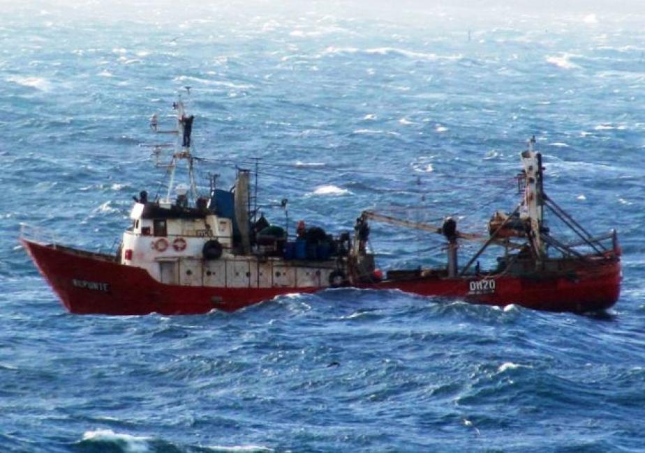 Se hundió un buque pesquero: hay seis tripulantes desaparecidos