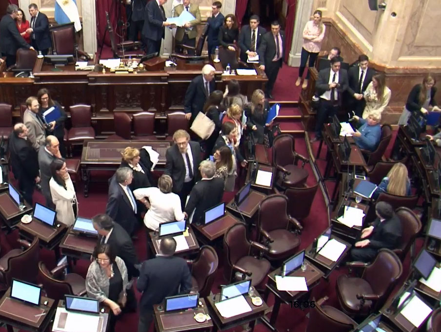La sesión del Senado se quedó sin quórum y se frustró