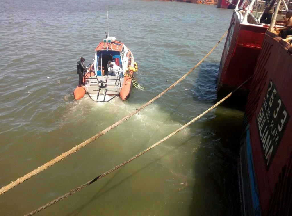 Hallan flotando el cadáver del cocinero de un barco