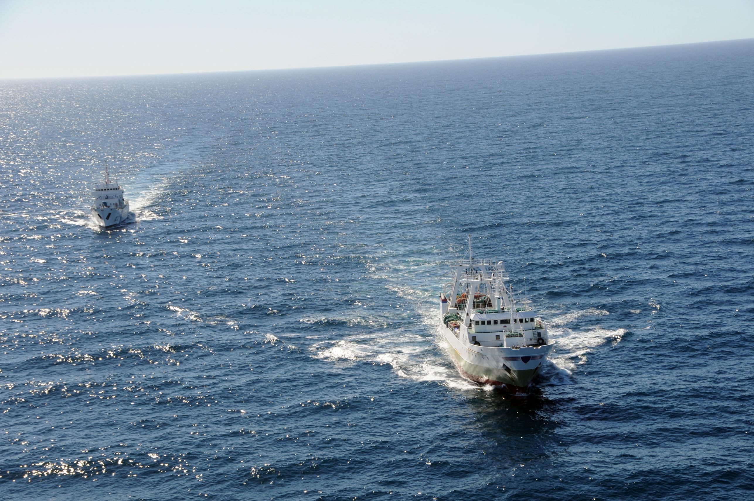 Capturaron un buque español por pescar en el mar argentino