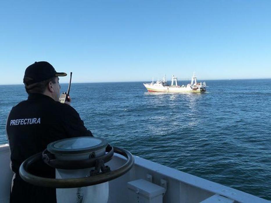 Interceptan un buque español que pescaba ilegalmente